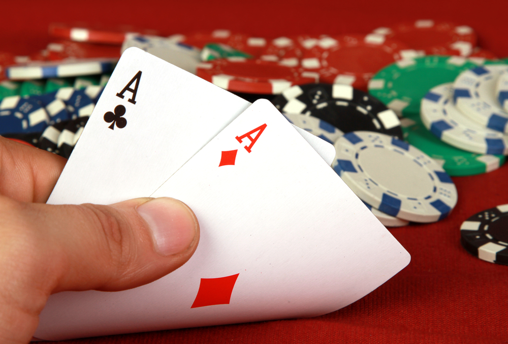 How to become a Bluff-master in Poker